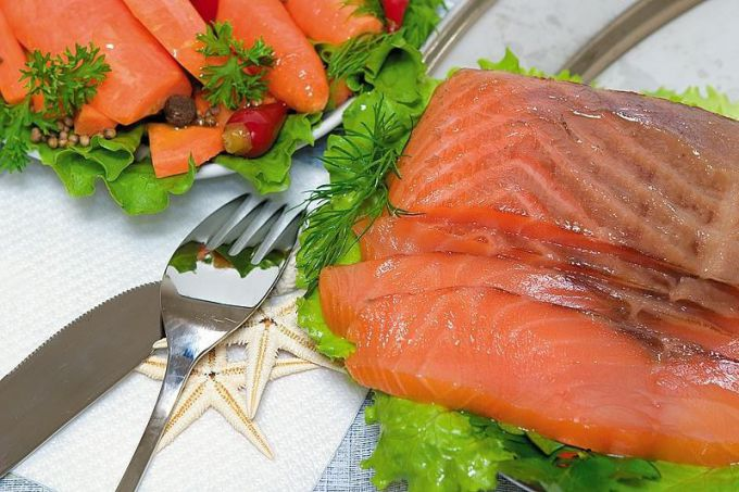 How to pickle salmon at home