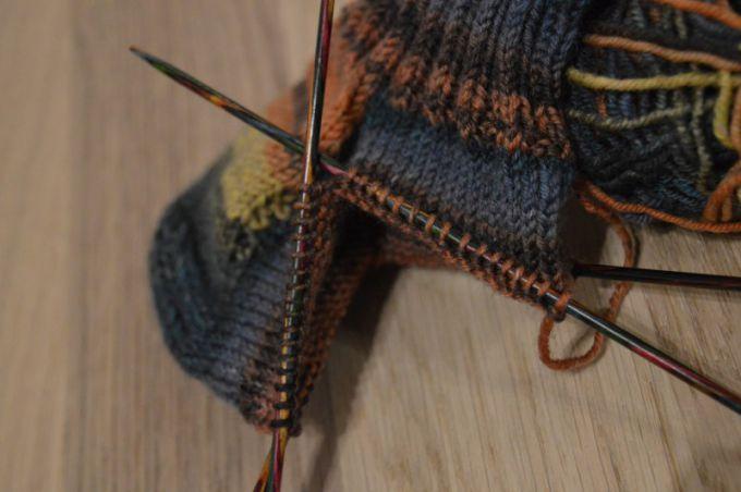 Вязание средней части носка