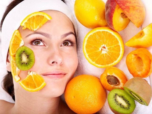 Peeling fruit acids in helping your skin