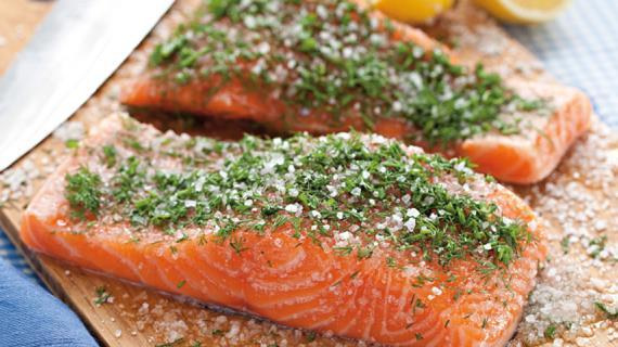 Малосольная красная рыба домашнего приготовления
