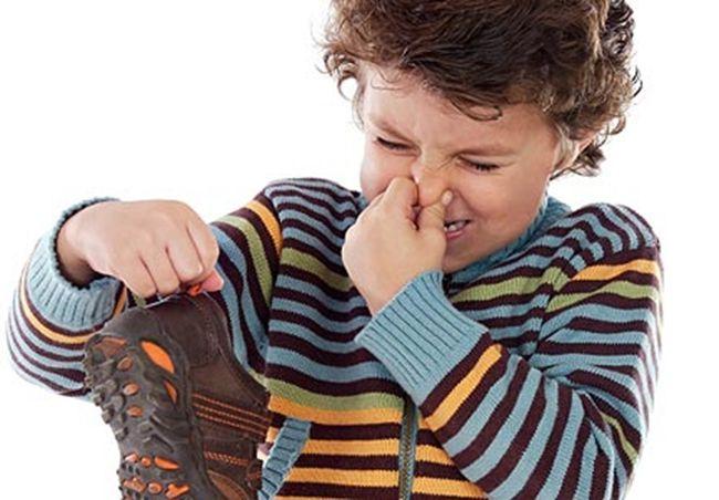 Что делать, если обувь пахнет неприятно