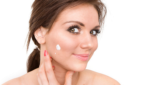 How to get rid of acne by using toothpaste