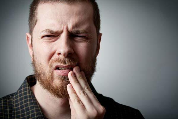 Как избавиться от стоматита в домашних условиях
