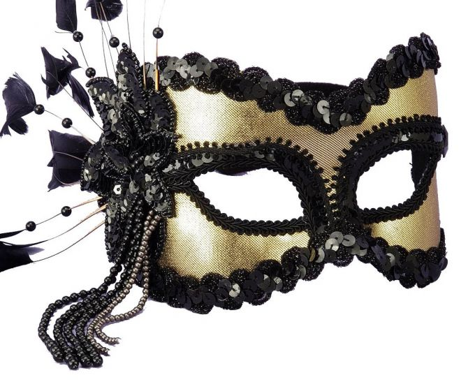 Как сделать карнавальную маску на Новый год