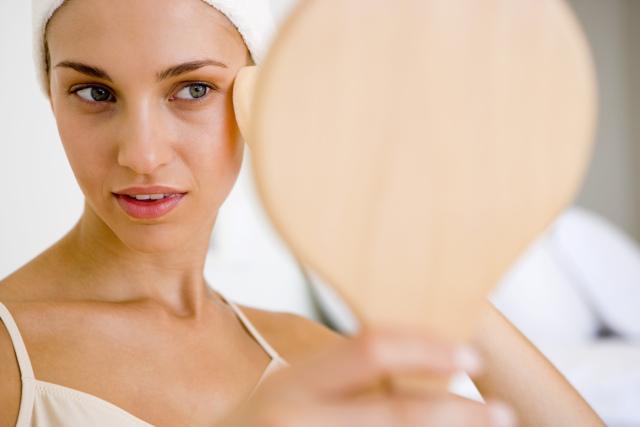 Как действует витамин А на кожу лица