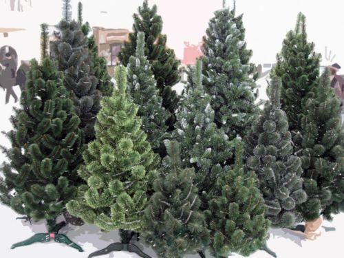 Хорошая искусственная елка - непременный атрибут новогодних праздников