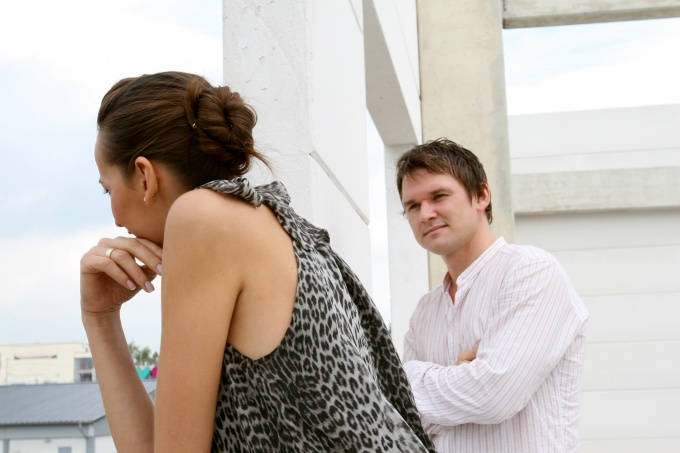 Заставить мужчину бегать за тобой поможет психология
