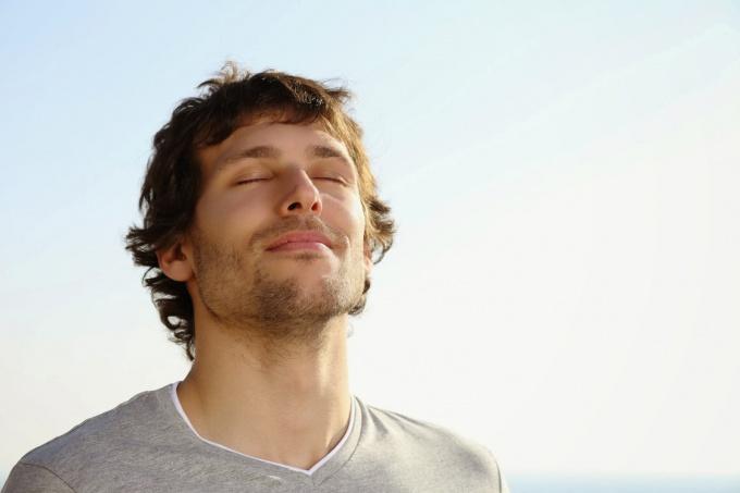 Можно  повысить потенцию у мужчин естественными способами
