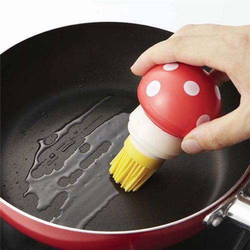 Прогрейте сковороду