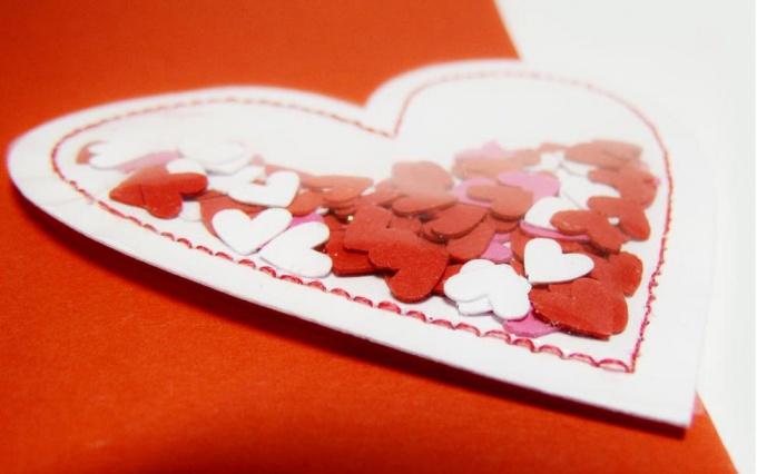 как сделать две открытки с маленькими сердечками