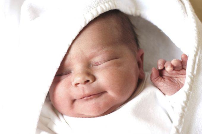 Знакомство с новорожденным: что следует знать молодой маме?