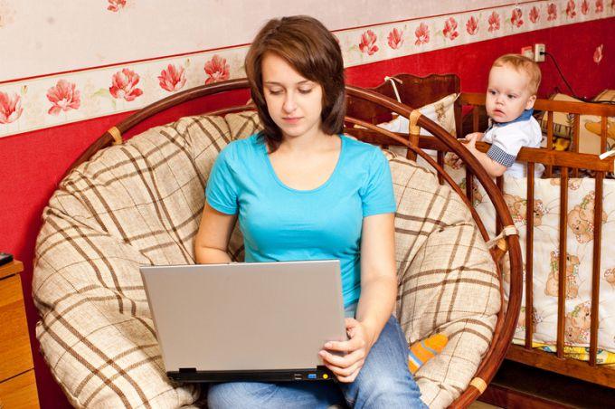 Как зарабатывать в декрете молодой маме
