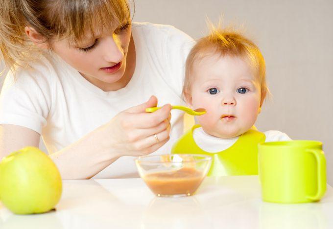 Как кормить годовалого ребёнка