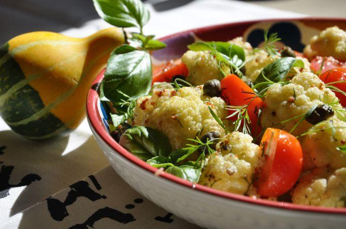 """Клумба"" из овощей для постного стола"