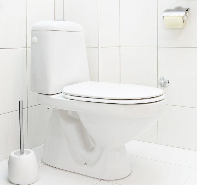 Как правильно чистить унитаз