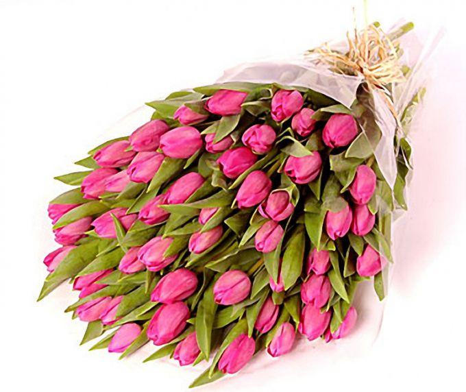 Что подарить на 8 марта маме и девушке