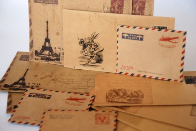 Echoes of the past: whether to return to the days of paper letters?