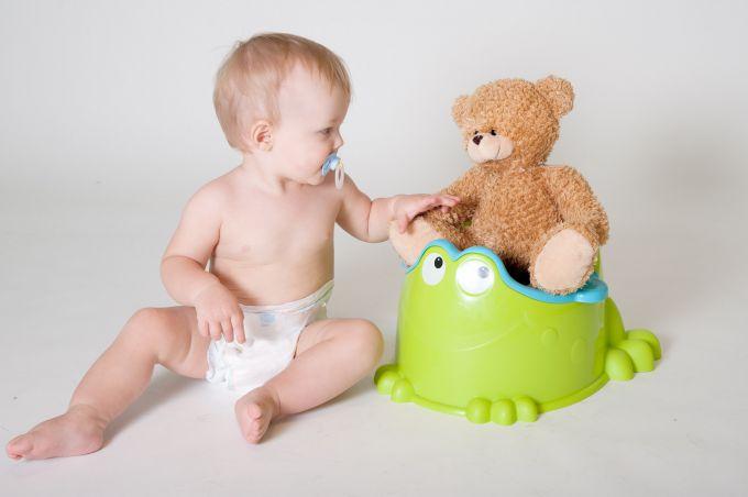 Приучаем малыша к горшку: советы родителям