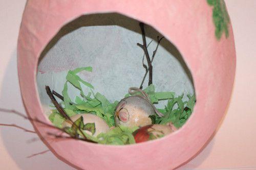 Делаем из папье-маше оригинальное блюдо для пасхальных яиц