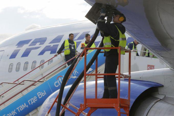Чем заправляют самолеты