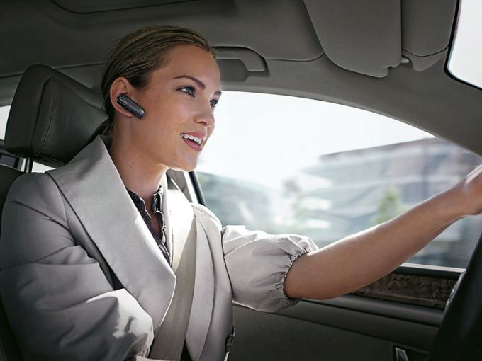 Headset Handsfree dangerous for drivers