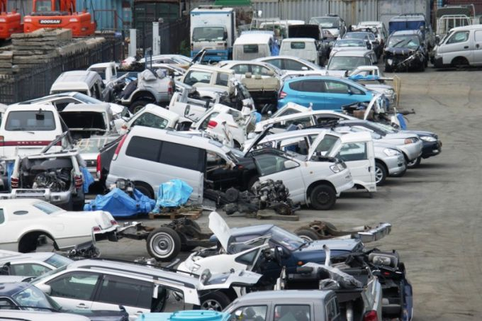 Is it advantageous to buy cars-cuts?