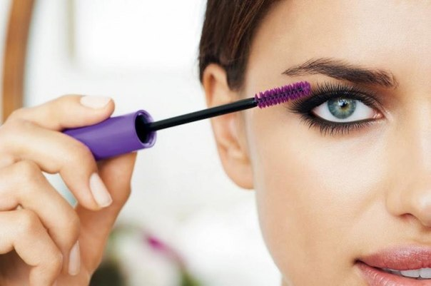 How to apply mascara on the lashes