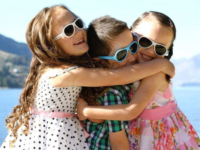 Как предпочесть солнцезащитные очки для ребёнка