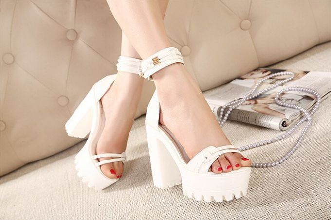 Fashionable sandals for the summer in 2016
