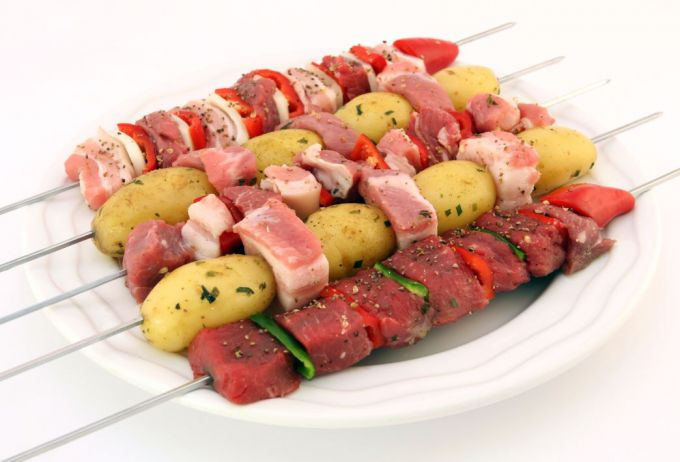 How to make shish kebab juicy and delicious, source: stockvault.net