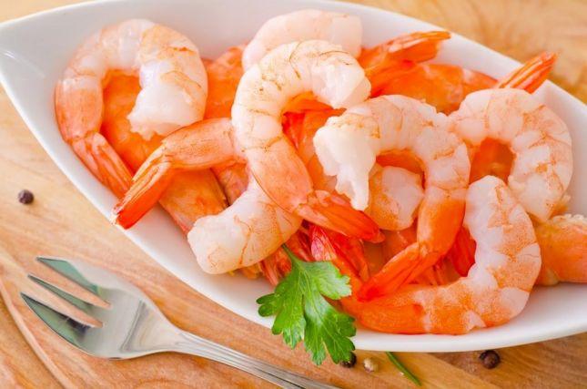Чем полезны морепродукты (креветки, кальмары и икра)