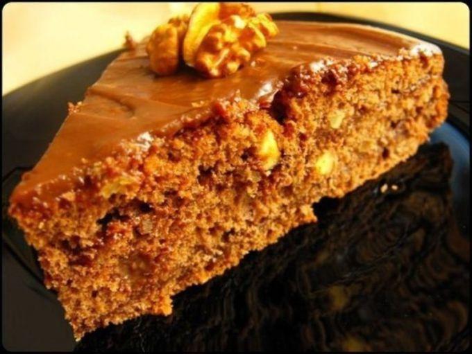 How to make walnut cake with honey-walnut caramel