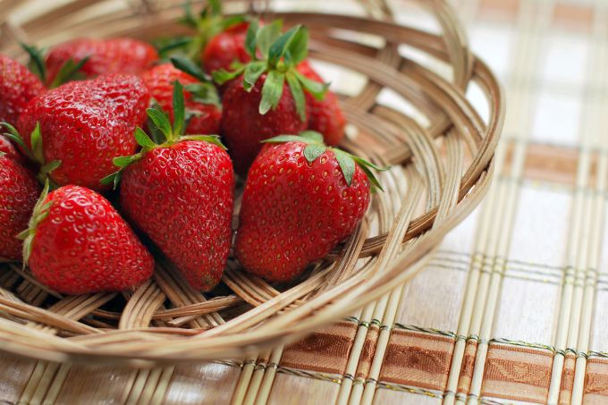When strawberries ripen in the Moscow region, Leningrad region and Krasnodar