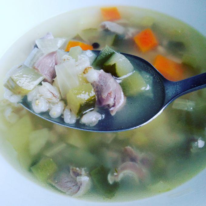 Как приготовить вкусный похмельный суп рассольник с куриными пупочками