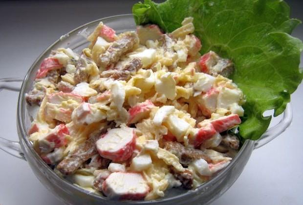 Рецепт салат с сухарями