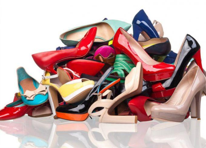Как подобрать соответствующую обувь к платью