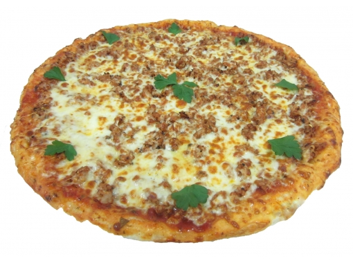 Pizza with mince, mushrooms and sausage