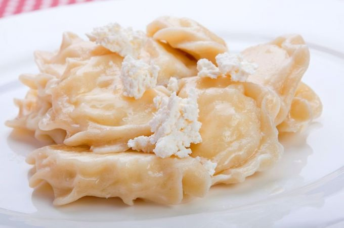 How to make dumplings with cottage cheese and cabbage