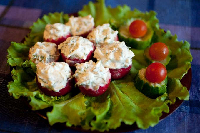 Appetizer salads of radish