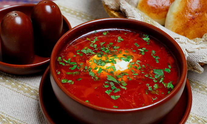 Red borscht in Ukrainian