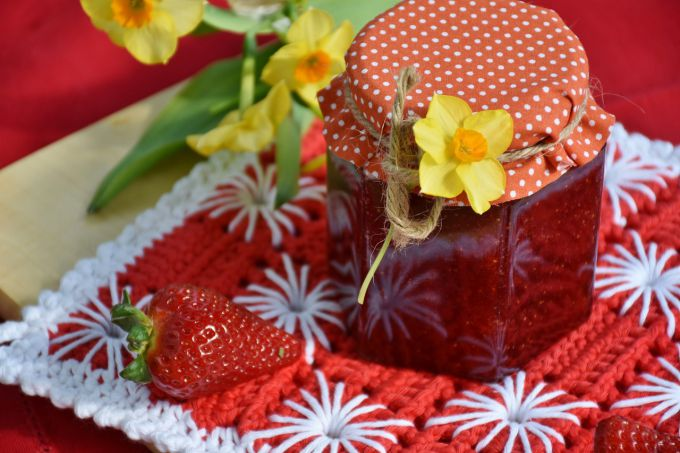 How to cook a thick strawberry jam