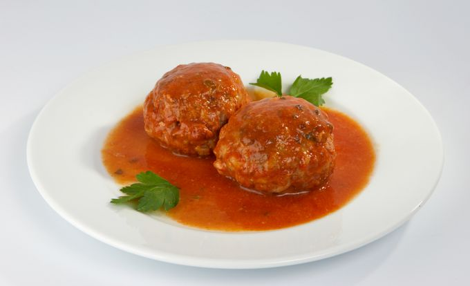 Gavage of meatballs-minced pork