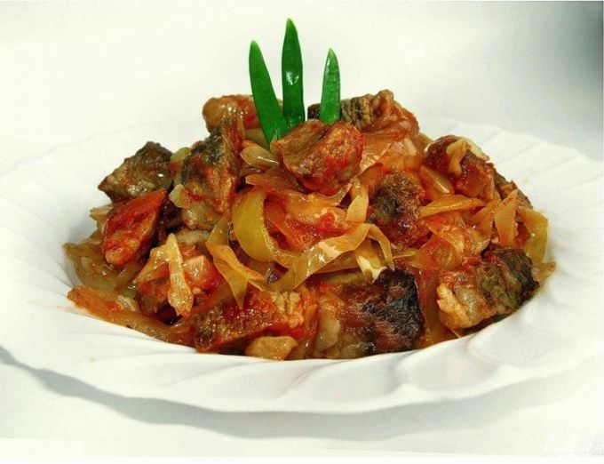 Braised cabbage with meat in multivarka