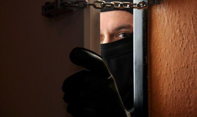 Как уберечь дом от грабителей