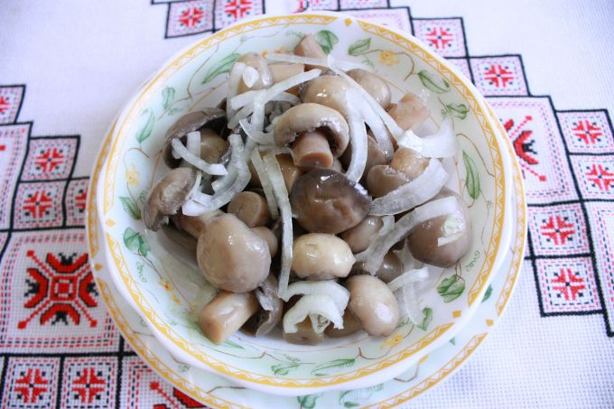 As a quick and tasty marinated mushrooms?