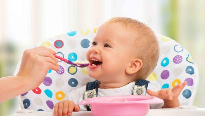 When to start feeding child