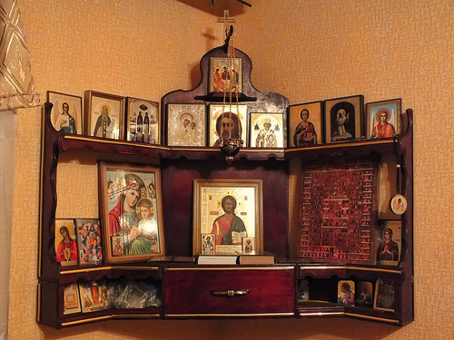 Как своими руками сделать иконостас дома своими руками фото