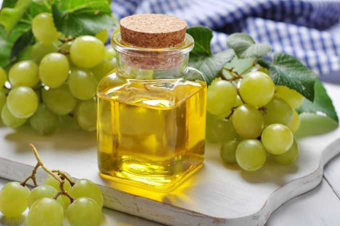 Grape seed oil for beauty