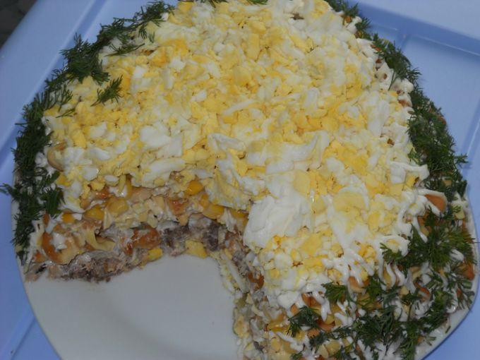 Фото рецепт салата с курицей и грибами слоями