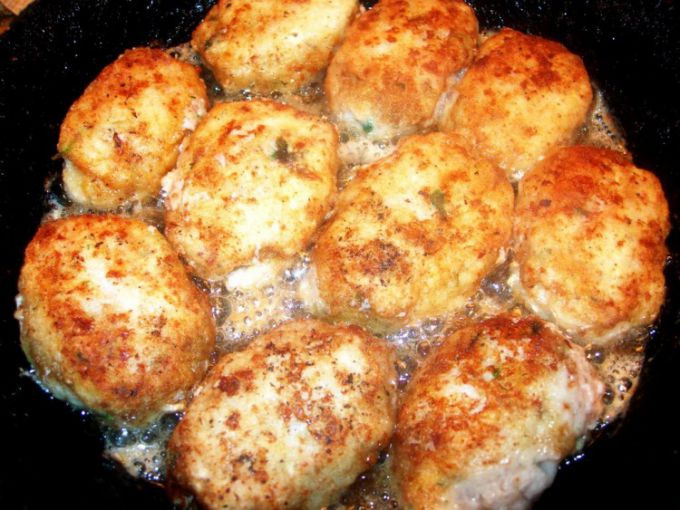 Fish cakes with cheese